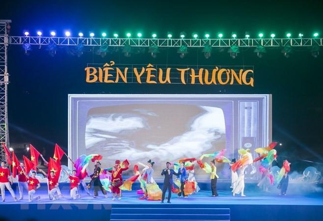 Pekan Laut dan Pulau Vietnam: Berpadu tenaga untuk menjaga warna biru-nya  laut - ảnh 1