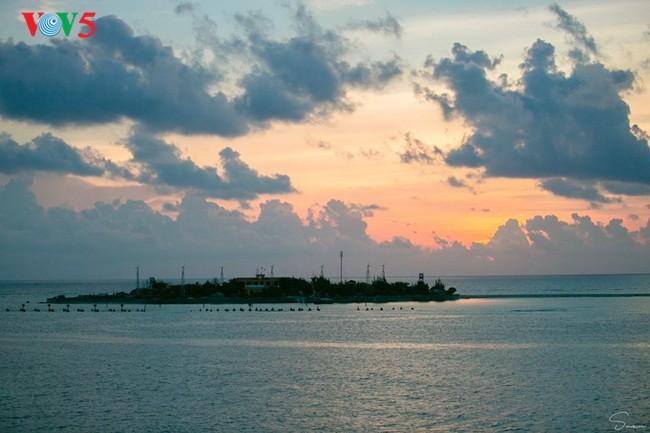Keindahan Sinh Ton Dong,  pulau garis depan dari Kepulauan Truong Sa. - ảnh 12