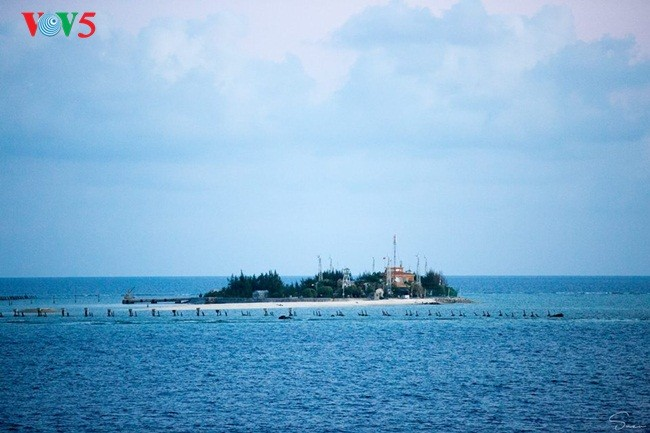 Keindahan Sinh Ton Dong,  pulau garis depan dari Kepulauan Truong Sa. - ảnh 1