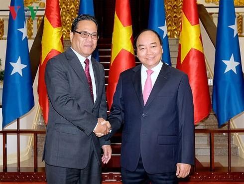 PM Nguyen Xuan Phuc menerima Ketua Parlemen Federasi Mikronesia - ảnh 1