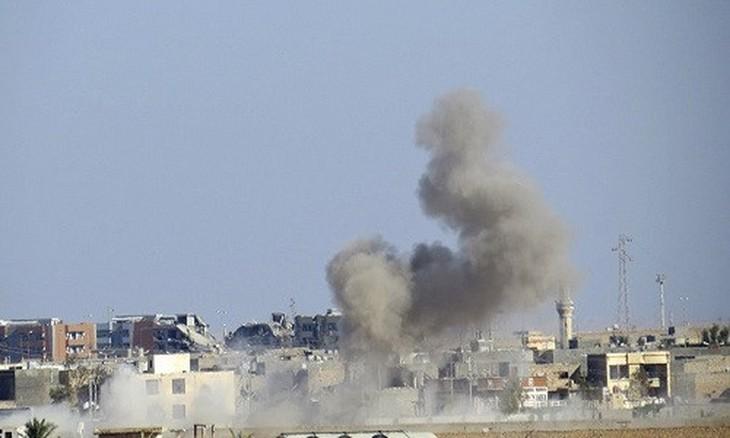 Pasukan koalisi pimpinan AS melakukan serangan udara terhadap satu sasaran tentara Suriah - ảnh 1