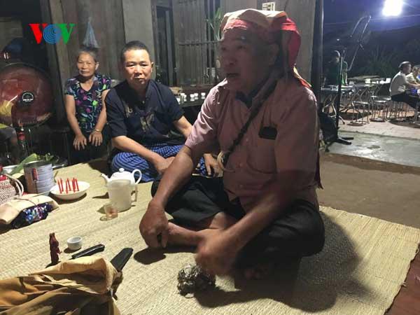 Upacara  mengucapkan selamat hari ulang tahun dari warga etnis minoritas Nung di Provinsi Bac Giang - ảnh 1