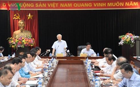 Sekjen KS PKV Nguyen Phu Trong bekerja dengan Departemen Komuniksasi dan Pendidikan KS PKV - ảnh 1
