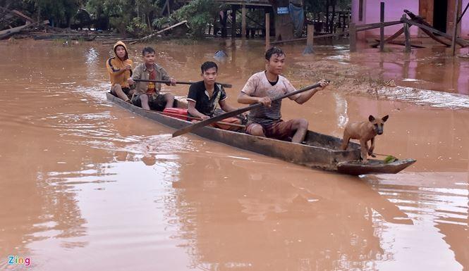 Bobol-nya waduk  hidrolistrik di Laos: ASEAN bersatu dan bahu membahu dengan Laos - ảnh 1