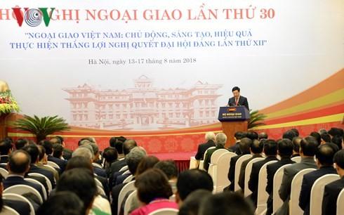 Diplomasi berjalan seperjalanan dengan badan usaha Vietnam untuk mengatasi kesulitan dan melakukan integrasi. - ảnh 1