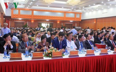 PM Viet Nam, Nguyen Xuan Phuc menghadiri konferensi mempercepat investasi Provinsi Quang Binh-tahun 2018 - ảnh 1