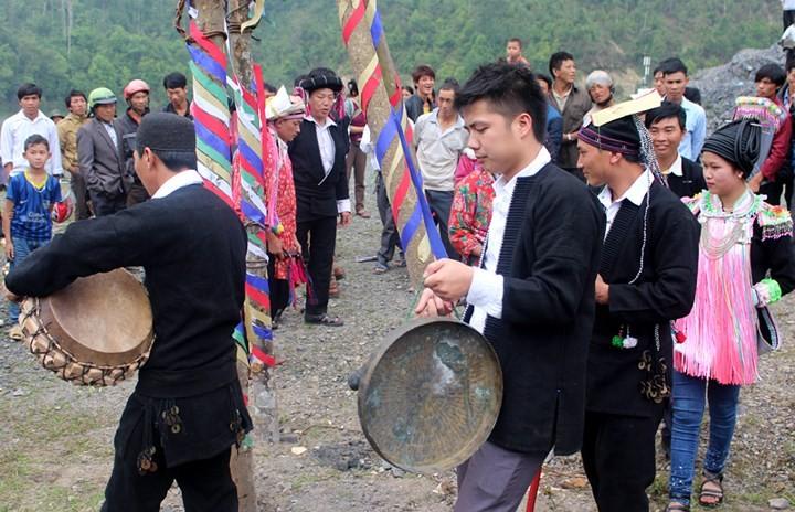 Upacara Tu Cai dari warga etnis minoritas Dao Dau Bang - ảnh 1