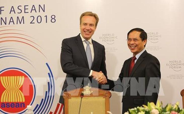 WEF-ASEAN 2018 menyosialisasikan citra tentang satu kawasan ASEAN yang bersolidaritas, makmur dan mandiri - ảnh 1