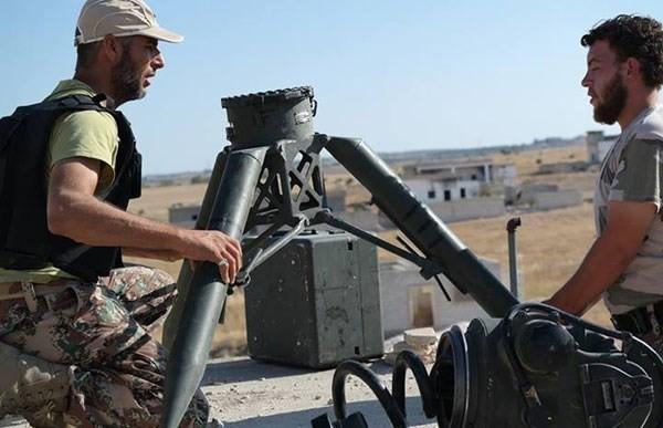 Kaum pembangkang Suriah mulai menfabrikasi  serangan kimia di Propinsi Idlib - ảnh 1