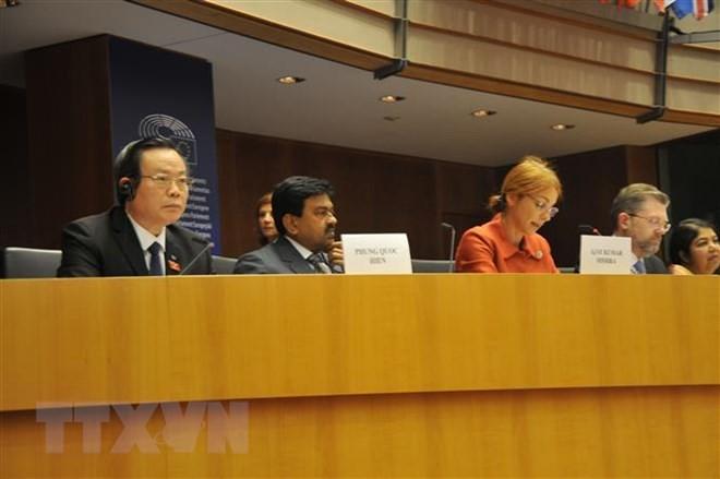 Vietnam aktif memberikan sumbangan dalam Konferensi Kemitraan Parlemen Asia-Eropa - ảnh 1