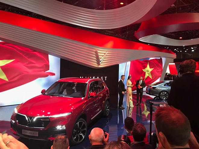 VinFast-Brand mobil pertama Viet Nam resmi diluncurkan di Paris Motor Show 2018 - ảnh 1