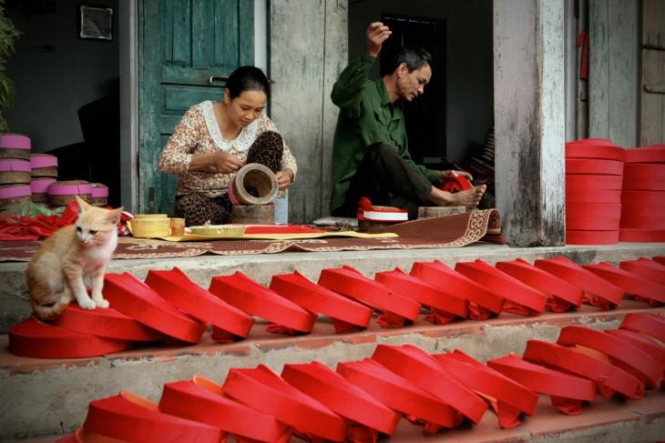 Memandangi kecantikan wanita Vietnam ketika sedang bekerja - ảnh 3