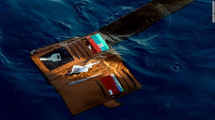 Pekerjaan pencarian dan pertolongan para korban kecelakaan pesawat terbang JT 610 jatuh di laut - ảnh 13