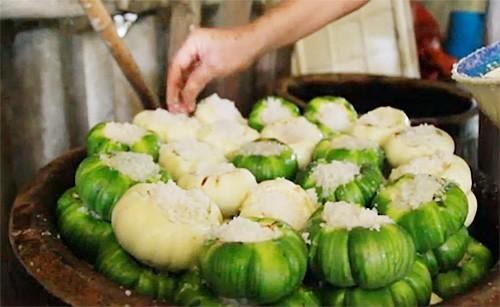 Kerajinan tradisional membuat terong putih asinan di Desa Khuong Ha - ảnh 2