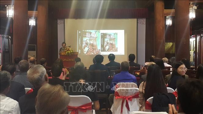 Meluncurkan buku istimewa tentang pusaka budaya nonbendawi Hanoi - ảnh 1