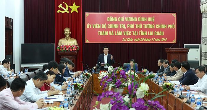 Deputi PM Vietnam, Vuong Dinh Hue melakukan temu kerja dengan pemimpin teras Provinsi Lai Chau - ảnh 1