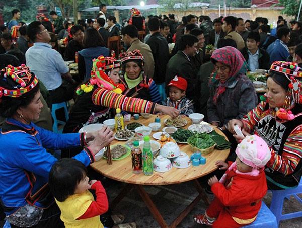Hari Raya Tet tradisional dari warga etnis minoritas Ha Nhi - ảnh 1