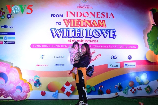 "Bergelora malam musik ""From Indonesia to Vietnam with Love"" di Kota Hanoi - ảnh 23"