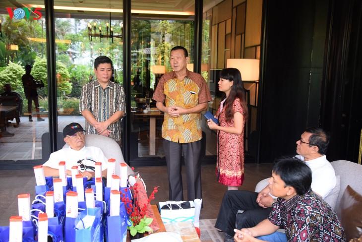 """VOV5 melakukan pertemuan dan menyampaikan penghargaan """"Pendengar Tipikal tahun 2018"""" di Jakarta, Indonesia - ảnh 4"""