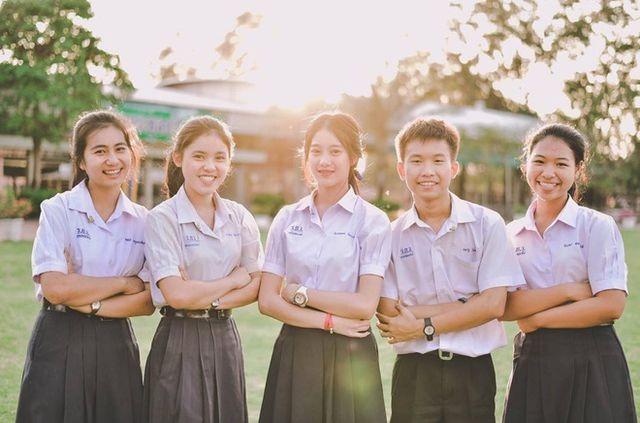 Kalangan pemuda Thailand dengan tata biga  dan bahasa Vietnam - ảnh 1