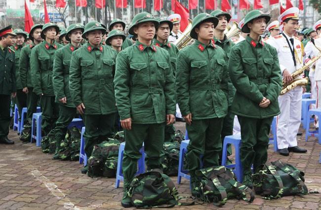 Perkenalan sepintas lintas tentang  pelaksanaan wajib militer dikalangan pemuda Vietnam - ảnh 1