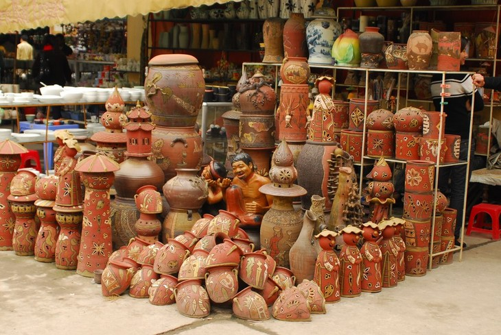 Desa kerajinan pembuatan barang keramik Huong Canh - ảnh 1