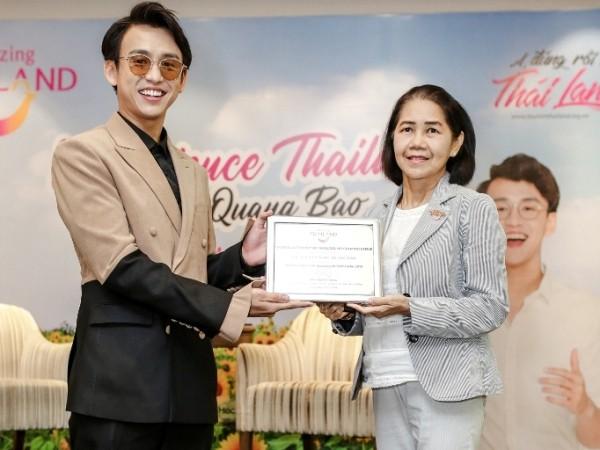Bertemu dengan Quang Bao- Duta Wisata Thailand tahun 2019 di Vietnam - ảnh 1