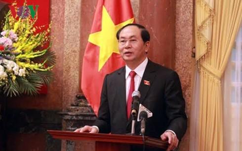 President meets representatives of coal industry and Quang Ninh province - ảnh 1
