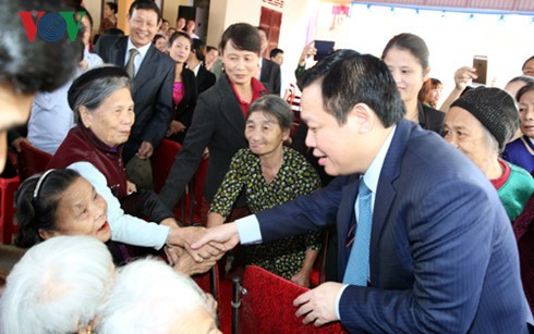 Deputy Prime Minister attends solidarity festival in Nghe An - ảnh 1