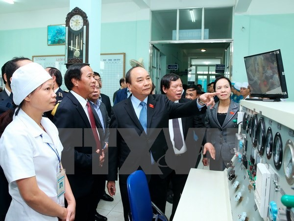 Prime Minister works with Vietnam Maritime Medicinal Academy - ảnh 1