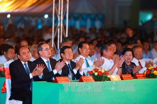 Prime Minister attends 25th anniversary ceremony of Tra Vinh reestablishment  - ảnh 1