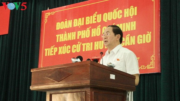 President Tran Dai Quang meets voters in Can Gio - ảnh 1