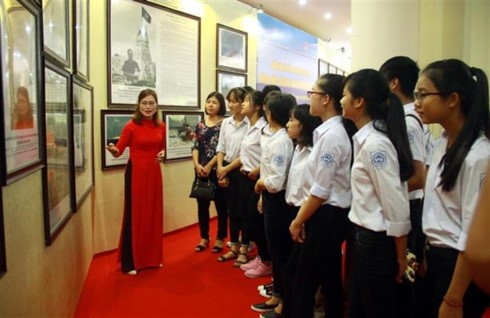Exhibit on Vietnam's sovereignty over Hoang Sa, Truong Sa opens in Yen Bai - ảnh 1