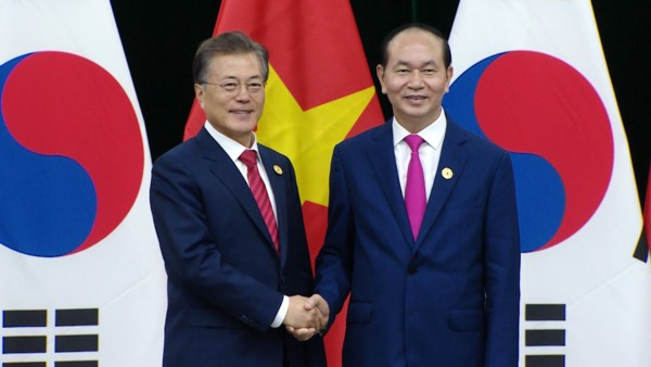 President meets Lao, Cambodian, Republic of Korean leaders  - ảnh 3