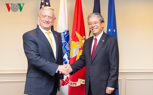 Vietnam, US make remarkable progress in security, defense cooperation  - ảnh 1