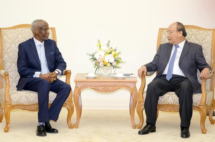 Prime Minister receives new Egyptian, Sudanese ambassadors  - ảnh 2