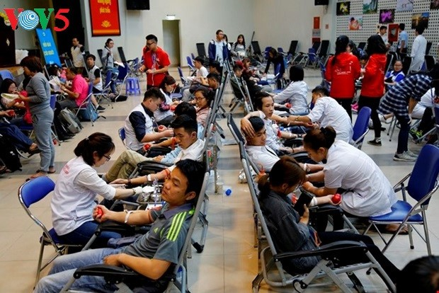 Blood donation saves lives of patients  - ảnh 1