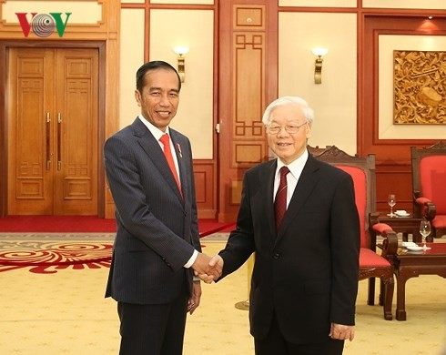 Party leader receives Chinese Vice Premier, Indonesian President - ảnh 2