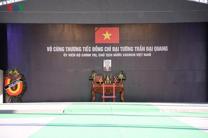 Vietnamese mourn President Tran Dai Quang  - ảnh 1