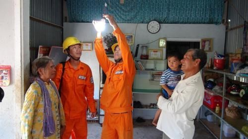 WB ranks Vietnam 27th in Getting Electricity Indicator   - ảnh 1