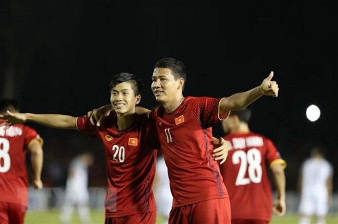 Vietnam's AFF Cup semifinal victory captures international interest  - ảnh 1