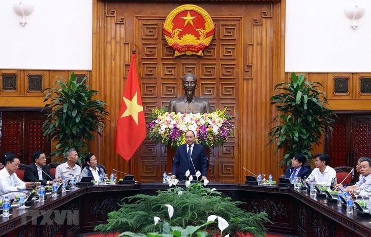 Prime Minister receives revolutionary veterans from Da Nang  - ảnh 1