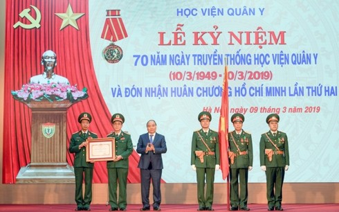 Vietnam Military Medical Academy bestowed Ho Chi Minh Order - ảnh 1