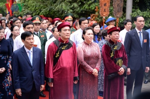 Vietnamese commemorate Hung Kings' death anniversary - ảnh 1