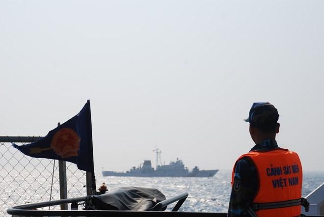 Vietnamese, Chinese coastguard check fishery agreement implementation  - ảnh 1