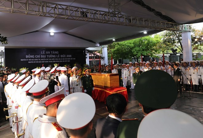 Burial service held for former President Le Duc Anh - ảnh 1