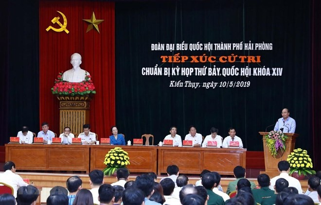 Prime Minister meets voters in Hai Phong  - ảnh 1