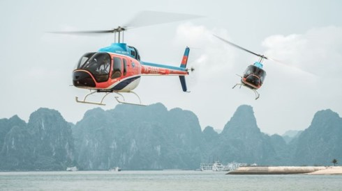 Helicopter – new way to cruise Ha Long Bay: CNN - ảnh 1