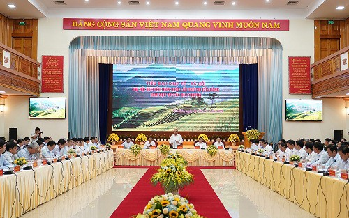 Prime Minister works with key leaders of 9 provinces   - ảnh 1