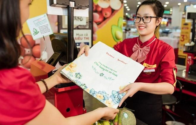 Retail chain applies measures to go green - ảnh 1